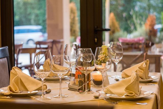 restaurant-449952_640